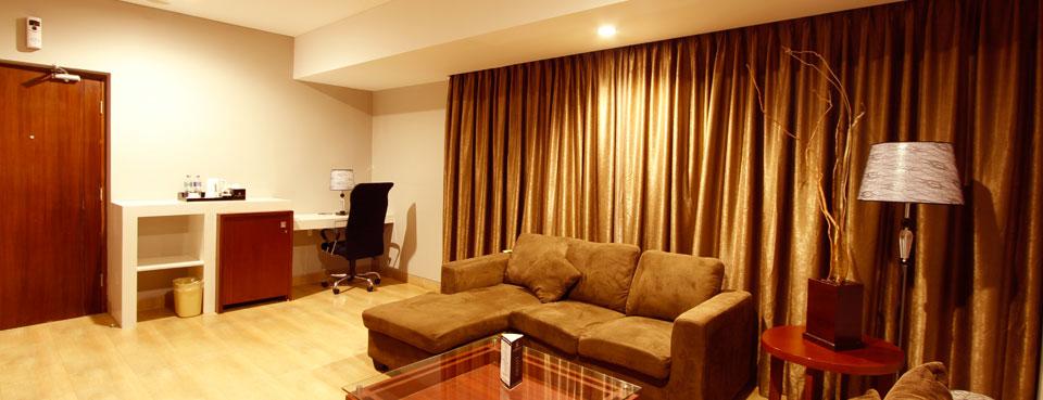 executive-suite-room2